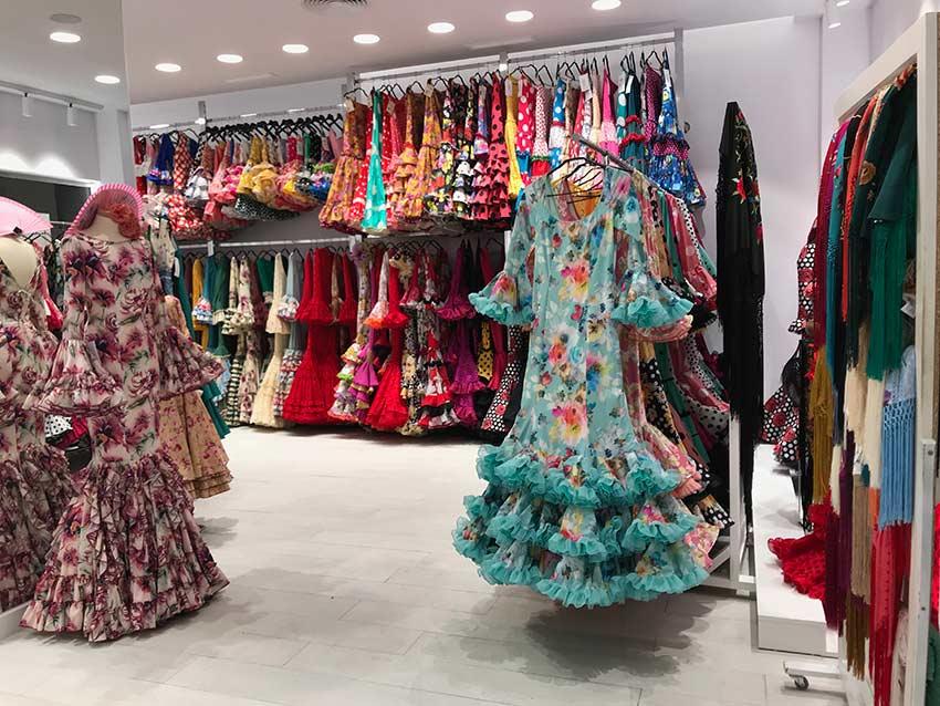 Exposición de trajes Viva la Feria